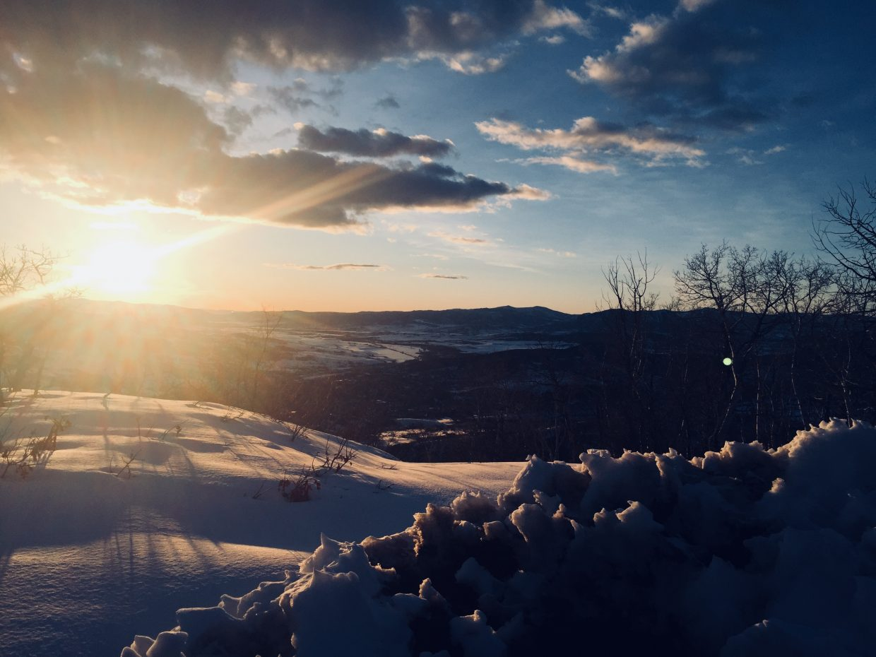 A shot of a sunset from the top of Mount Werner.