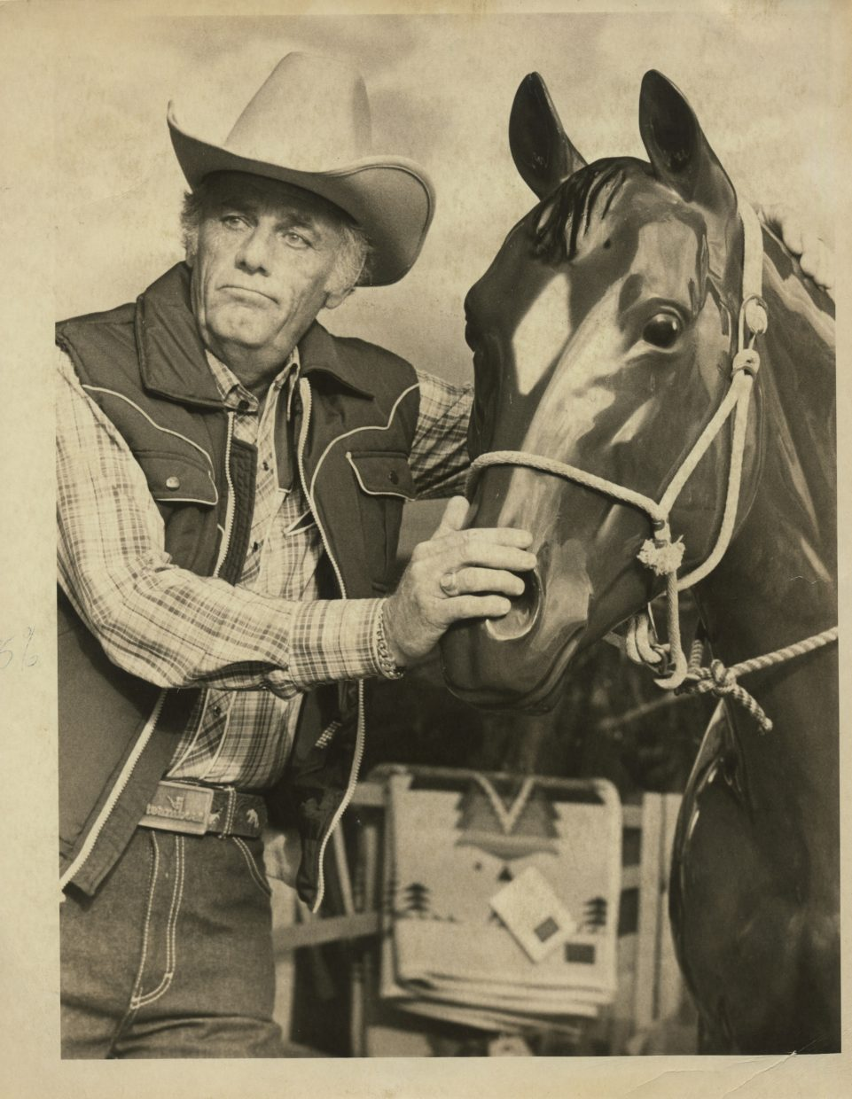 """Actor McLean Stevenson of """"MASH"""" television fame  clowns with  Flash, the F.M. Light & Sons horse  in October  1981 while taping  a syndicated holiday television program for the Steamboat Ski & Resort Corp.     Stephenson won a Golden Globe in 1973 for his portrayal of Lt. Colonel Henry Blake, the conflicted chief surgeon and commanding officer of a Mobile Army Surgical Hospital during the Korean War. Stevenson died in 1996.   photo: Ross Dolan"""