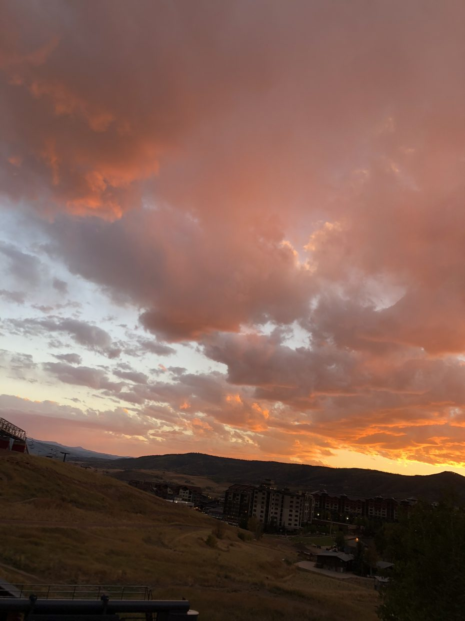 Tonight's sky at the base of Mount Werner.
