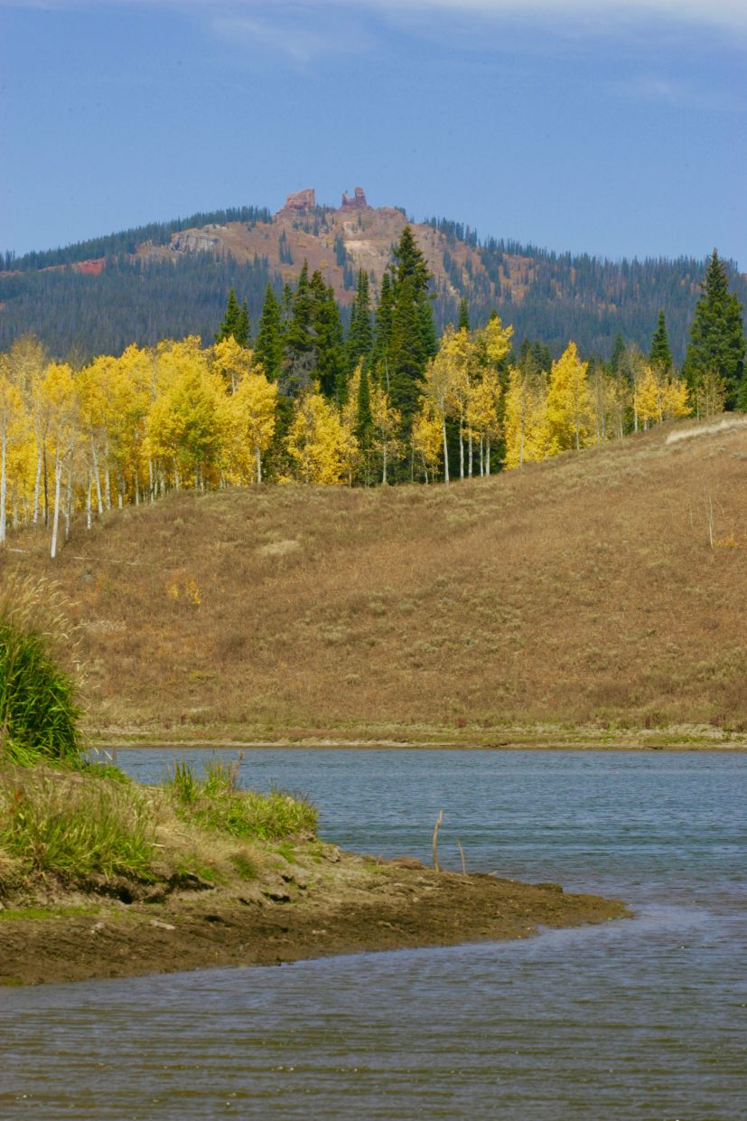 Autumn at Dry Lake with Rabbit Ears.