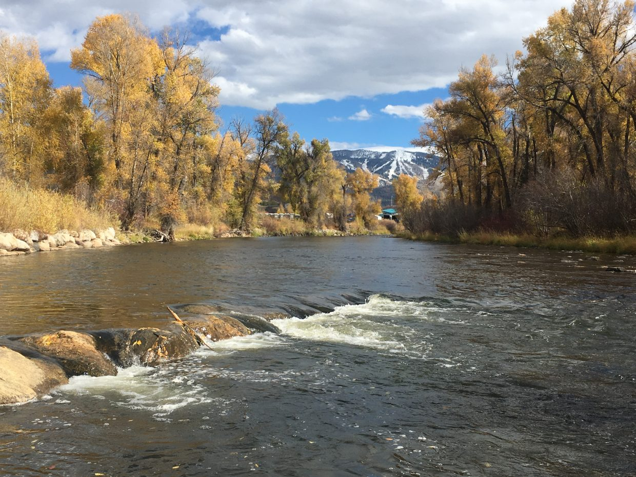 The Yampa River is starting to look more like winter is arriving.