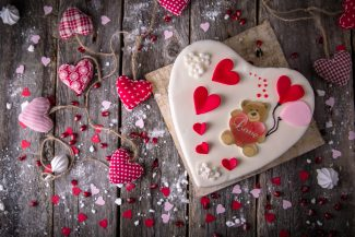 Free Valentine's Day card making workshop at the library