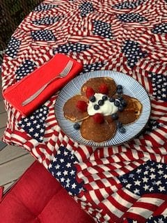 Missing Steamboat Springs and the traditional pancake breakfast, this today's picnic No 1, from Seattle.
