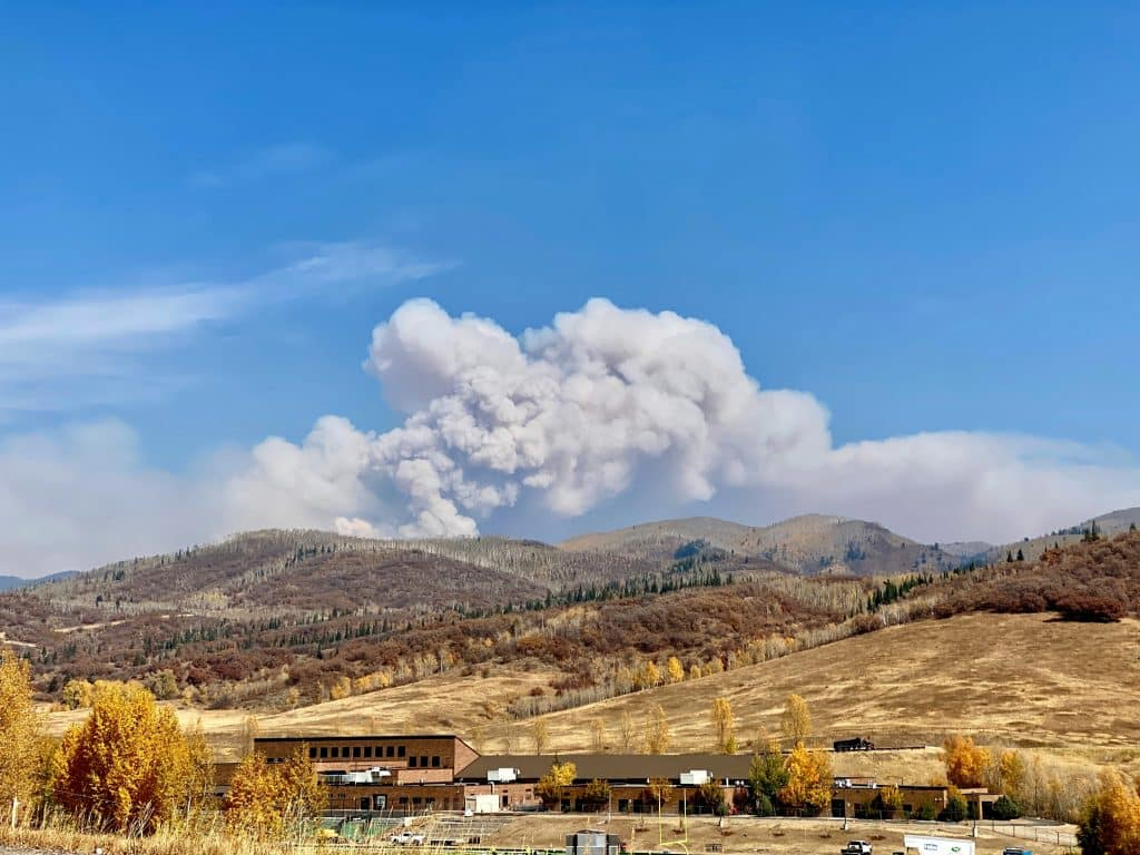 Here is a great picture of the Middle Fork Fire today. That is Steamboat Springs Middle School in the foreground. The air is absolutely awful today, registering as high as 549 on PurpleAir.com.