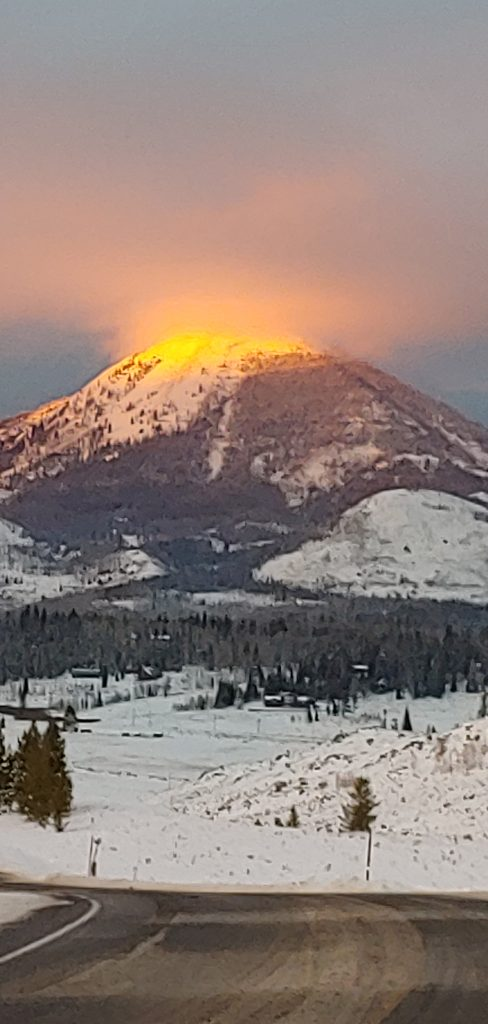 Winter solstice sunset over Hahns Peak