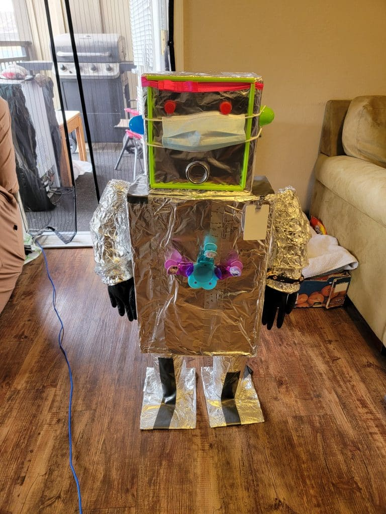 Let\'s make it the recycle ♻ way. Meet summer our recycled ♻ robot